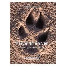 """Poteaftryk i sand er forsidefoto til bogen """"Farvel til en ven"""" af Anders Hallgren"""